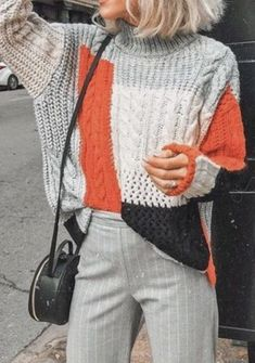 Color block knitted sweater.