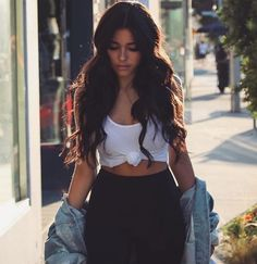 Madison Beer in Spandex Madison Beer Style, Madison Beer Outfits, Maddison Beer, Wattpad, Beautiful People, Street Style, Long Hair Styles, Beauty, Female