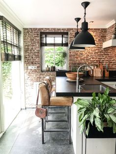 Brick Wall Kitchen Ideas Most Popular Ideas Filigranes Design, Loft Design, House Design, Brick Interior, Interior Design Kitchen, Kitchen Decor, Kitchen Ideas, Brick Wall Kitchen, Kitchens With Brick Walls