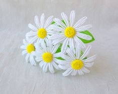 Beautiful French Beaded Daisies!  Fantastic Blog!