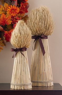 barley/wheat to keep in color scheme but provide height variance/texture #autumndecor