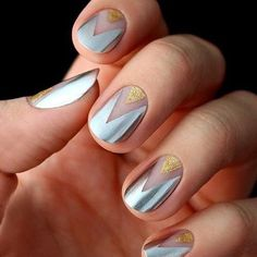 Nail art crush of the day!  #nailpolish #manicureobsessed #nailart #naildesigns : @thefoxboxsa