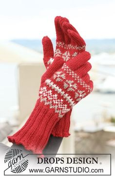 Ravelry: Knitted gloves with Norwegian pattern pattern by DROPS design Crochet Mittens, Mittens Pattern, Crochet Gloves, Knitted Hats, Drops Design, Knitting Patterns Free, Baby Knitting, Free Knitting, Free Pattern