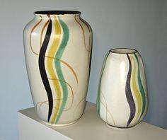 Catawiki online auction house: Bay Keramik - stel vazen met lijndecor in pasteltinten