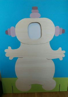 Inspired by the Upsie Daisy and Iggle Piggle photo prop, here's my own Makka Pakka photo prop for my little one's 2nd birthday party!