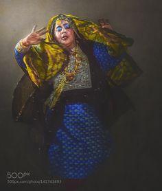 Omani woman by ALmuntherAlsiyabi