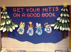 Winter bulletin board ideas for teachers! I have rounded up so fun winter-themed bulletin board ideas for your classroom! These would work great as December bulletin boards or January bulletin boards. Christmas Library Bulletin Boards, December Bulletin Boards, Elementary Bulletin Boards, Reading Bulletin Boards, Winter Bulletin Boards, Library Boards, Bulletin Board Display, Preschool Bulletin, Elementary Library