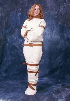 """Résultat de recherche d'images pour """"straitjacket girl mummification"""""""
