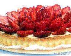 Aprende a preparar tarta de frutillas con esta rica y fácil receta.  La tarta de frutillas es uno de los postres favoritos de los amantes del dulce, y es que la... Strawberry Desserts, Time To Eat, Healthy Cooking, Raspberry, Sweet Tooth, Cheesecake, Sweets, Fruit, Recipes