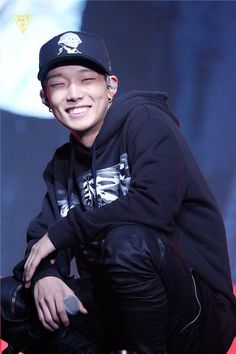 Look at that beautiful n cheeky smiles #bobby