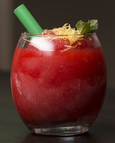 The strawberry slushie you didn't know your summer needed. Vodka Slush, Vodka Drinks, Party Drinks, Cocktail Drinks, Yummy Drinks, Cold Drinks, Cocktail Recipes, Alcoholic Drinks, Yummy Food