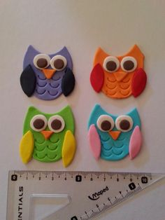 sugar toppers: Gumpaste owls