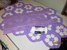 Virkattu muovimatto, Pirkka jätekasseista, crochet rug made of plastic bags Plastic Shopping Bags, Plastic Bags, Plastic Bag Crochet, Rug Making, Rugs, Diamond, Home Decor, Farmhouse Rugs, Decoration Home