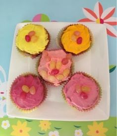 "So ""sweet""! Allergy-Friendly Strawberry Cupcakes with Lemon Icing #glutenfree #top8free #recipe"