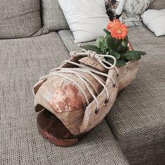 Topánka z bukového dreva ako črepník
