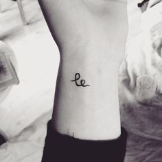 """Le : means """"smile"""" in Swedish, """"hapiness"""" in Mandarin and """"laugh"""" in Norwegian."""