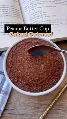 Baked Breakfast Recipes, Breakfast Bake, Snack Recipes, Dessert Recipes, Brunch Recipes, Dinner Recipes, Baked Oats, Baked Oatmeal, Peanut Butter Protein