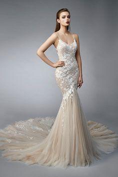 Size Brautkleider Meerjungfrau Wedding Dress out of Enzoani - Nia Muslim Wedding Dresses, Western Wedding Dresses, Elegant Wedding Dress, Designer Wedding Dresses, Bridal Dresses, Wedding Gowns, Bridesmaid Dresses, Lace Wedding, Beige Wedding Dress