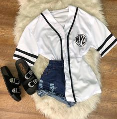 Cute Swag Outfits, Cute Summer Outfits, Trendy Outfits, Fashion Outfits, Womens Fashion, Jersey Outfit, College Outfits, Grunge Fashion, Feminine Style