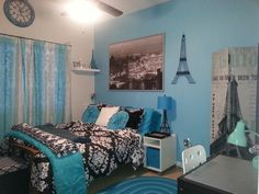 Presley's Paris themed room