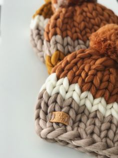 Knitting Room, Baby Hats Knitting, Sweater Knitting Patterns, Loom Knitting, Knitted Hats, Crochet Patterns, Crochet Baby, Knit Crochet, Knit World