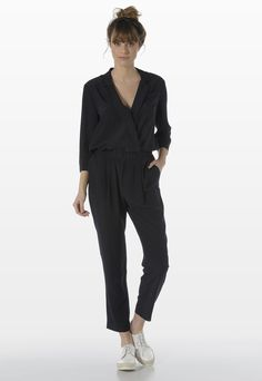"""TUTA IN SETA Stefanel - I think I have a """"Jumpsuit"""" fever, right now: I love them """"in tutte le salse"""" ( read it: in every original way). I' ve been captured from this classy, evergreen one: the chic Taylor and its versatility make this cloth a must have in every single woman closet. #outfit #streetstyle #style #streetwear #fashion #spring #Jumpsuit"""