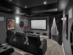 Home theaters pequeno Inexpensive Small Movie Room Design Ideas For Family 40 Movie Theater Rooms, Home Cinema Room, Home Theater Decor, Best Home Theater, Home Theater Design, Home Theater Seating, Home Decor, Cinema Room Small, Home Theatre