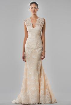Brides.com: Carolina Herrera - Fall 2015%0AWedding dress by Carolina HerreraPhoto: Courtesy of Carolina Herrera