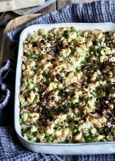 Pastagrateng med brokkoli og erter Cheddar, Macaroni And Cheese, Vegetarian Recipes, Ethnic Recipes, Mac And Cheese, Cheddar Cheese, Vegetable Dip Recipes