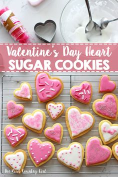 Valentine's Day Heart Sugar Cookies - the perfect basic cut out sugar cookies recipe and easy icing. Great for Valentine's Day, or any other day! Valentine Desserts, Valentines Day Cookies, Valentines Day Treats, Valentine Cookies, Galletas Decoradas Baby Shower Boys, Valentine's Day Sugar Cookies, Heart Shaped Cookies, Heart Cookies, Cookies For Kids