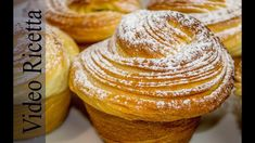 Today we analyze an Italian Brioche dough made with a craquelin top and an inside of soft pastry cream. Sponge Cake Recipes, Bakery Recipes, Dessert Recipes, Desserts, Cruffin Recipe, St Food, Homemade Croissants, Italian Cookies, Baking Cupcakes