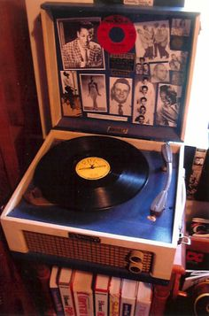 Original Dansette record players. I've had my eye on one of these for a while...    http://www.harperscraft.com/images/dansette.jpg