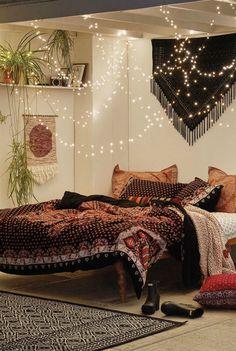 Спальня в стиле бохо.