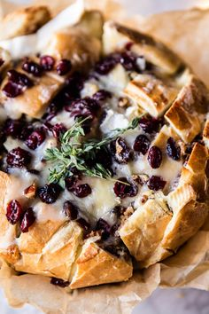 Cranberry Brie Pull Apart Bread this scrumptious bread is truly a great recipe to have on hand during the holiday season Holiday Appetizers, Appetizer Recipes, Holiday Recipes, Dessert Recipes, Appetizer Party, Dinner Recipes, Christmas Recipes, Desserts, Brie Appetizer