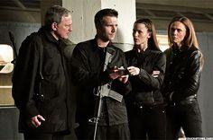 Victor Garber as Jack, Michael Vartan as Vaughn, Jennifer Garner as Sydney, and Lena Olin as Irina