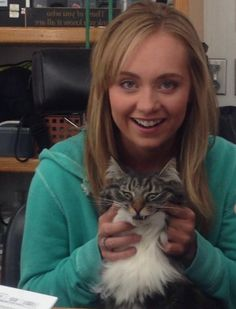 Amber Marshall That cat looks wild. Ready for Halloween 2016 Watch Heartland, Heartland Quotes, Heartland Cbc, Heartland Ranch, Best Tv Shows, Best Shows Ever, Favorite Tv Shows, Canadian Actresses, Actors & Actresses