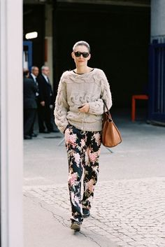 sweater texture w/floral twist
