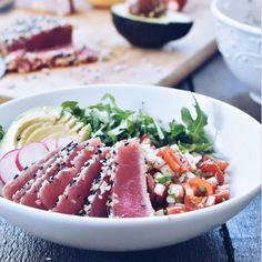Salade de tataki de thon et salsa de poire asiatique