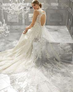 #gelin #gelinlik #gelinlikler #gelinlikmodelleri #weddedwonderland #russia #kına #nişan #bride #bridal #bridaldress #wedding #vestidodenoiva #weddingdress #glam #prenses #couture #weddingday #weddingphotography #transparan #hijab #couturefashion #houtecouture #fashion #bohem #transparent #style #bride #amazing #beautifulbride #tbt �� http://gelinshop.com/ipost/1523940619801066690/?code=BUmH-tmB_zC