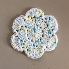 Stuck with Ewe: Free Crochet Pattern: Flower Scrubbie Scrubbies Crochet Pattern, Cotton Crochet Patterns, Crochet Dishcloths, Crochet Yarn, Crochet Flowers, Free Crochet, Knitting Patterns, Blanket Patterns, Fabric Flowers