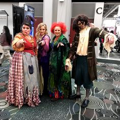 Hocus Pocus cosplay with the Sanderson Sisters and Billy. Salt Lake Comic Con. @slcomiccon