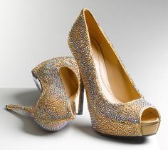 Gucci Sofia Jeweled Pumps. Drool.  $2295  Also available in blue.