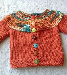 Der neue Haraşo And Straight Knitted Easy Cardigan Made From The Neck . Baby Cardigan Knitting Pattern Free, Kids Knitting Patterns, Knitted Baby Cardigan, Knitted Baby Clothes, Hand Knitted Sweaters, Knitting For Kids, Easy Knitting, Baby Patterns, Diy Crafts Knitting