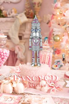 FANCYCD NUTCRACKER Collection-The Bakery / 18K White Gold, Pink Sapphire, Sapphire