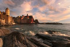 Vernazza at sunset - null