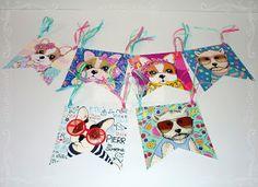 Banderines de papel. Simones Ideas Para Fiestas, Dog Cat, Christmas Ornaments, Holiday Decor, Chocolates, Party Ideas, Candy, Molde, Ideas