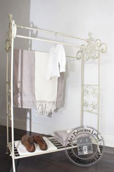 Sierlijk ijzeren handdoekenrek nr. 1   Decoratie & Lifestyle   Met Brocant Label