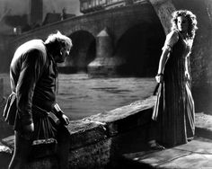 MAUREEN O'HARA CHARLES LAUGHTON THE HUNCHBACK OF NOTRE DAME 8X10 PHOTO (ZY-084)