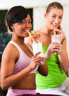 WIth the our nutritional program, you will feel like your best self in no time! Become more alert, more productive, stick to your goals and feel better. CCONTACT me - Try it yourself, get your free no obligation account today. Health And Beauty Tips, Health And Wellness, Herbalife, Before And After Gym, Fitness Diet, Health Fitness, Post Workout Drink, Bodybuilding Diet, Weight Loss Smoothies