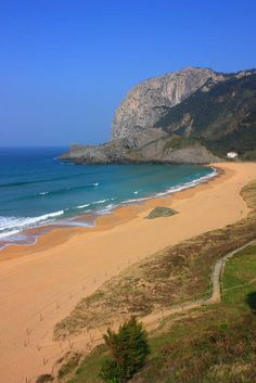 Playa de Laga, Vizcaya - this beach was gorgeous - and right down the road from aunt marie's house.... all things that made the day perfect - 2011